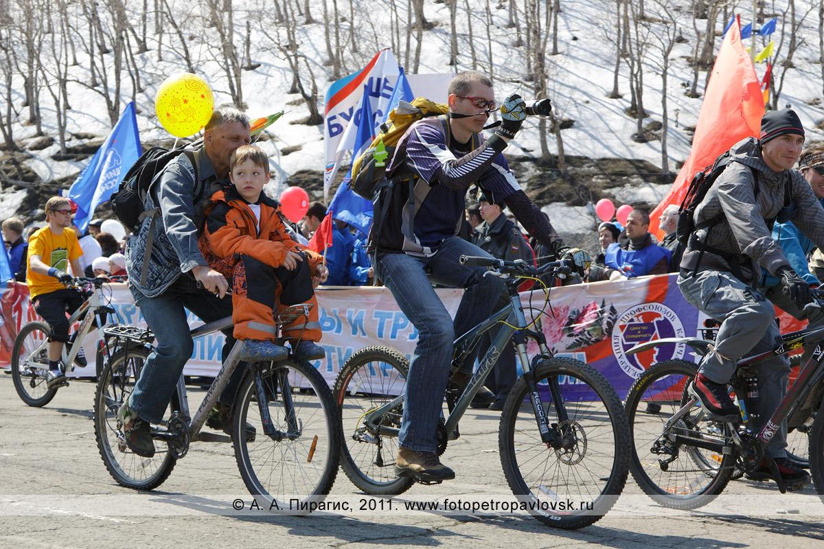 Фотография: велосипедисты Камчатки. 1 Мая — Праздник Весны и Труда