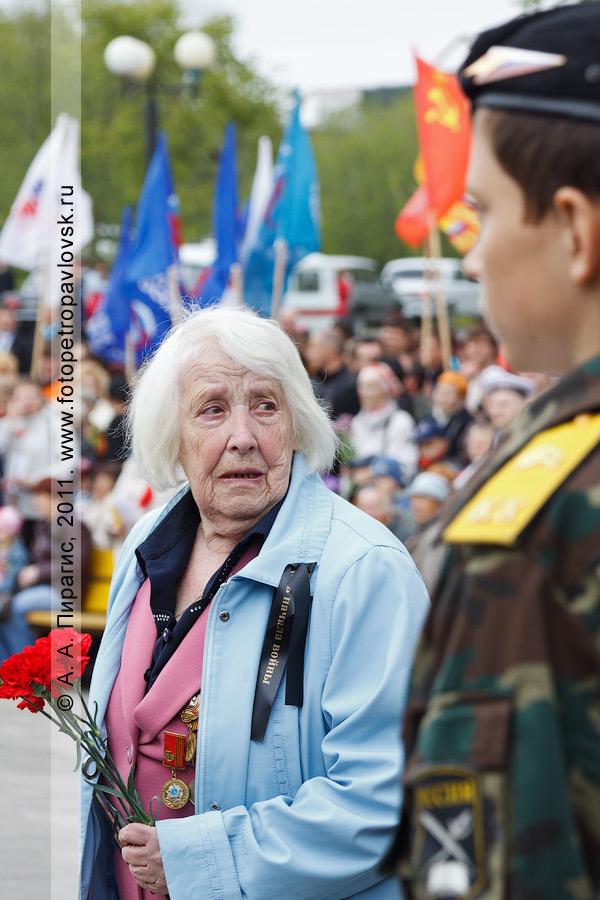 Фотография: на митинге 22 июня, в День памяти и скорби. Парк Победы, мемориал памяти камчатцев, погибших во Второй мировой войне