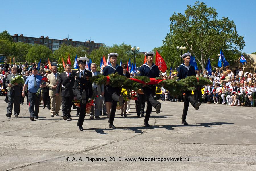 Фотография: 22 июня — День памяти и скорби в Петропавловске-Камчатском. Возложение венков к мемориалу памяти погибших камчатцев