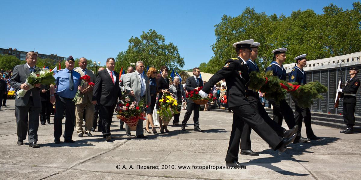 Фотография: 22 июня — День памяти и скорби в Петропавловске-Камчатском. Возложение венков к мемориалу памяти погибших