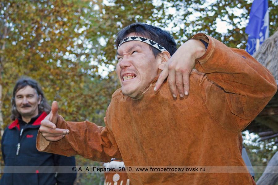 """Фотография: конкурс ительменских гримас. Ительменский обрядовый праздник """"Алхалалалай"""" на Камчатке"""