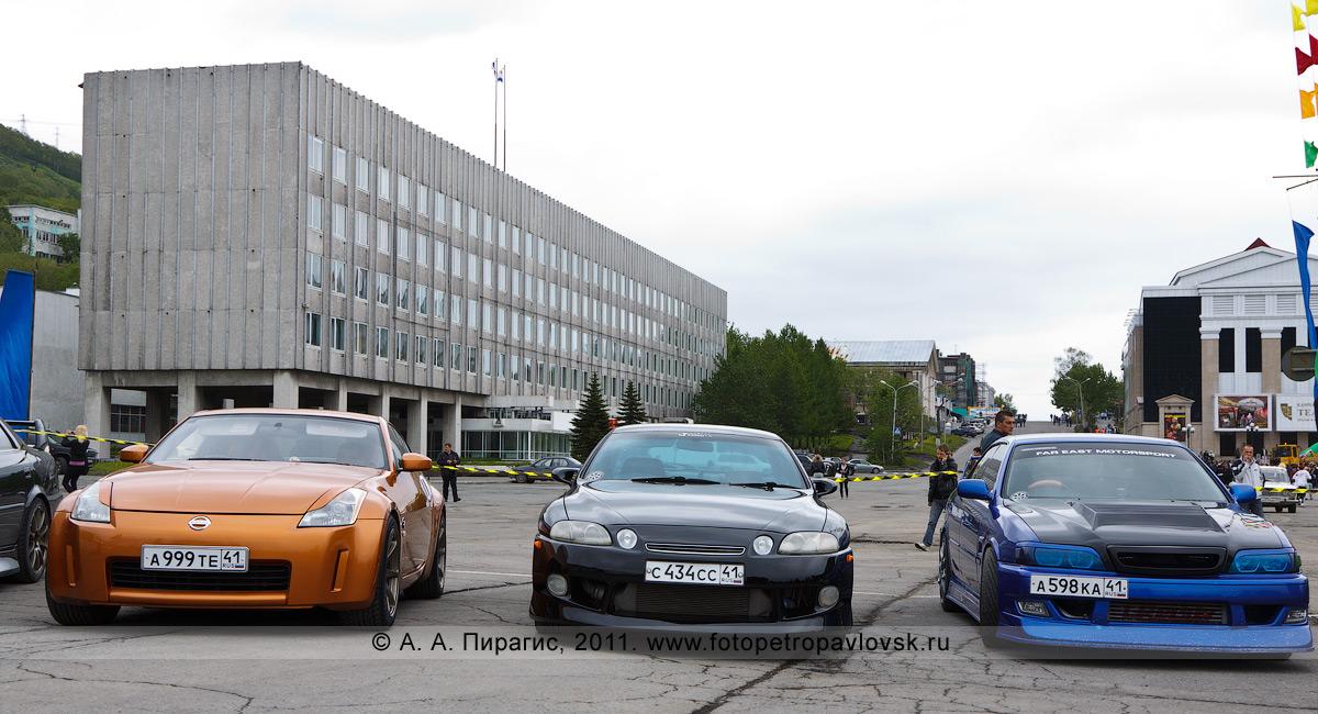 Фотография: автомобильная выставка на Камчатке. День молодежи в городе Петропавловске-Камчатском
