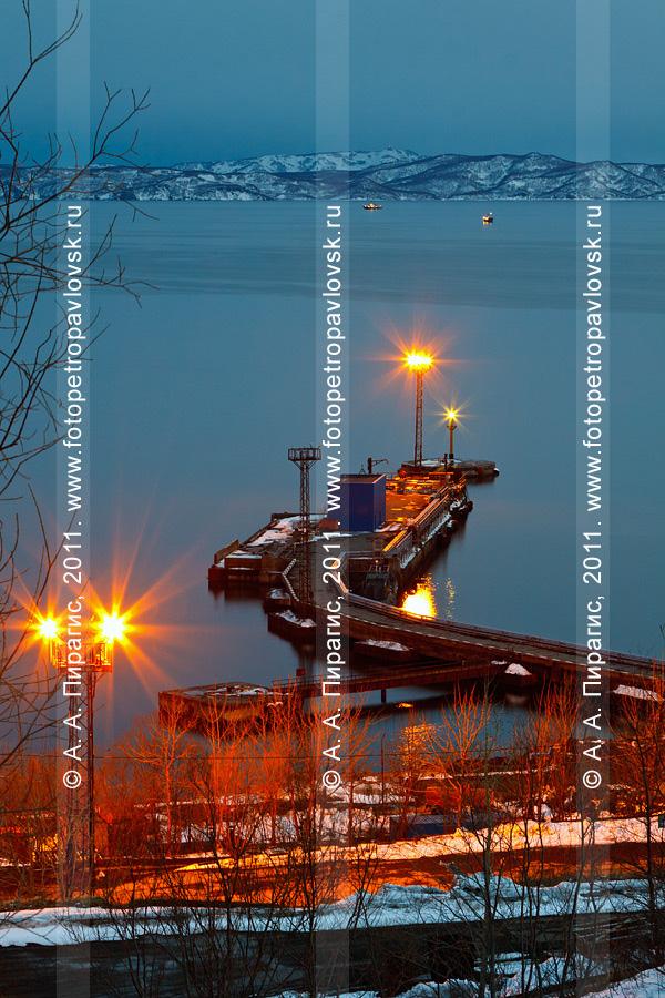 Фотография: причал Петропавловск-Камчатской нефтебазы, микрорайон Сероглазка, город Петропавловск-Камчатский. Бухта Сероглазка, Авачинская губа
