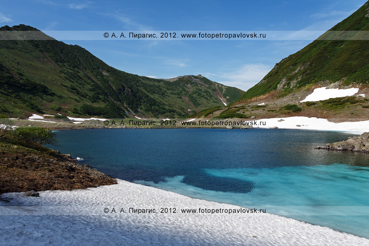 Фотография: красивый камчатский пейзаж — вид на Голубые озера (полуостров Камчатка)