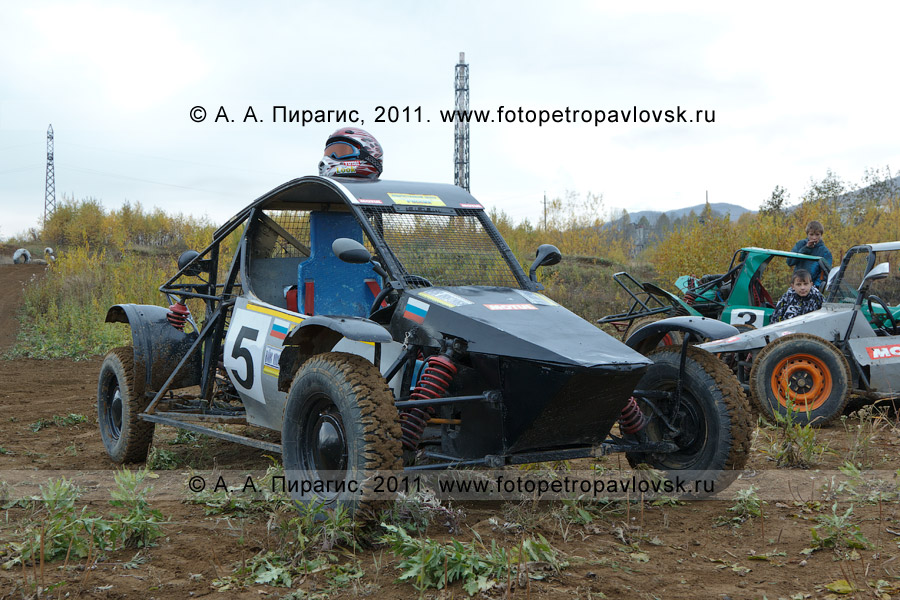 Фотография: багги. Соревнования по автомотоспорту в городе Елизово на Камчатке