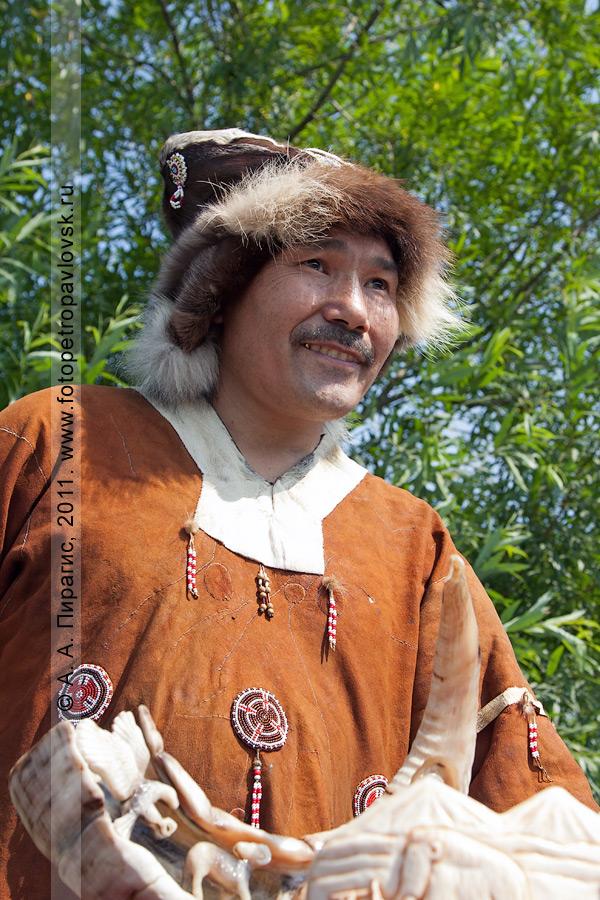 Фотография: Чечулин Егор — художник-косторез. День аборигена на Камчатке