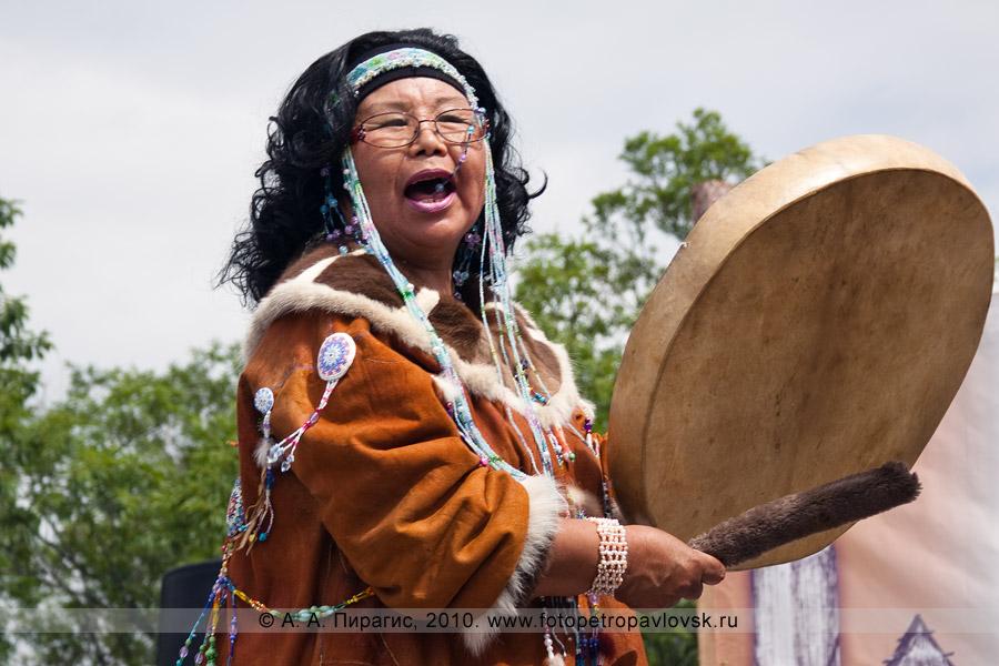 Фотография: выступление национальных коллективов. Празднование Дня аборигена в Камчатском крае