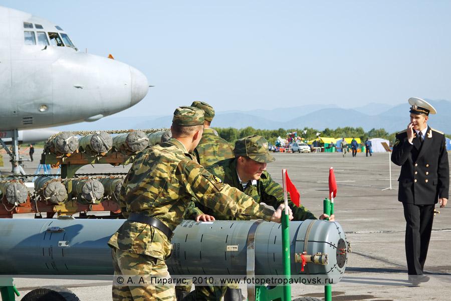 """Фотография: День военно-воздушных сил на Камчатке — авиационная противолодочная ракета АПР-2 """"Ястреб-М"""""""