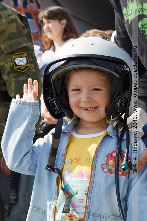 Фотография: Камчатка — День Военно-воздушных сил Росии: вертолеты, самолеты, вооружение и камчатцы
