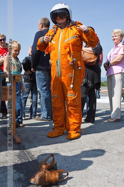 Фотография: Камчатка — День Военно-воздушных сил России: костюм летчика истребителя МиГ-31