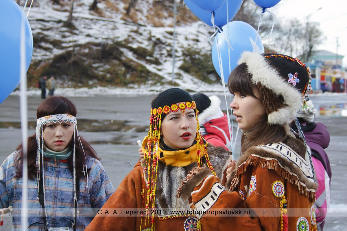Фотография: участницы празднования в Петропавловске-Камчатском Дня народного единства