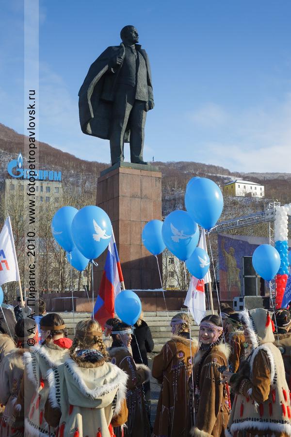 Фотография: День народного единства на площади Ленина в Петропавловске-Камчатском