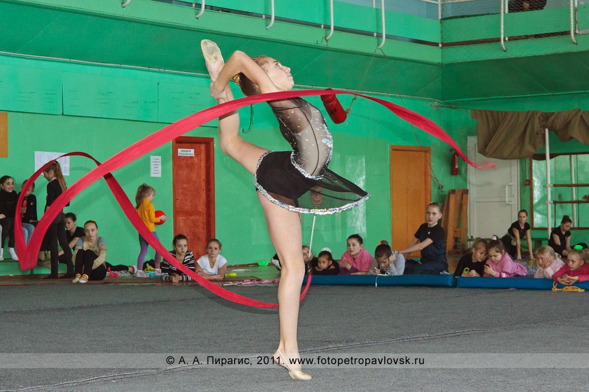 Фотография: Пугаченко Ольга, 4-е место в соревнованиях по художественной гимнастике по программе КМС (кандидат в мастера спорта). Художественная гимнастика на Камчатке