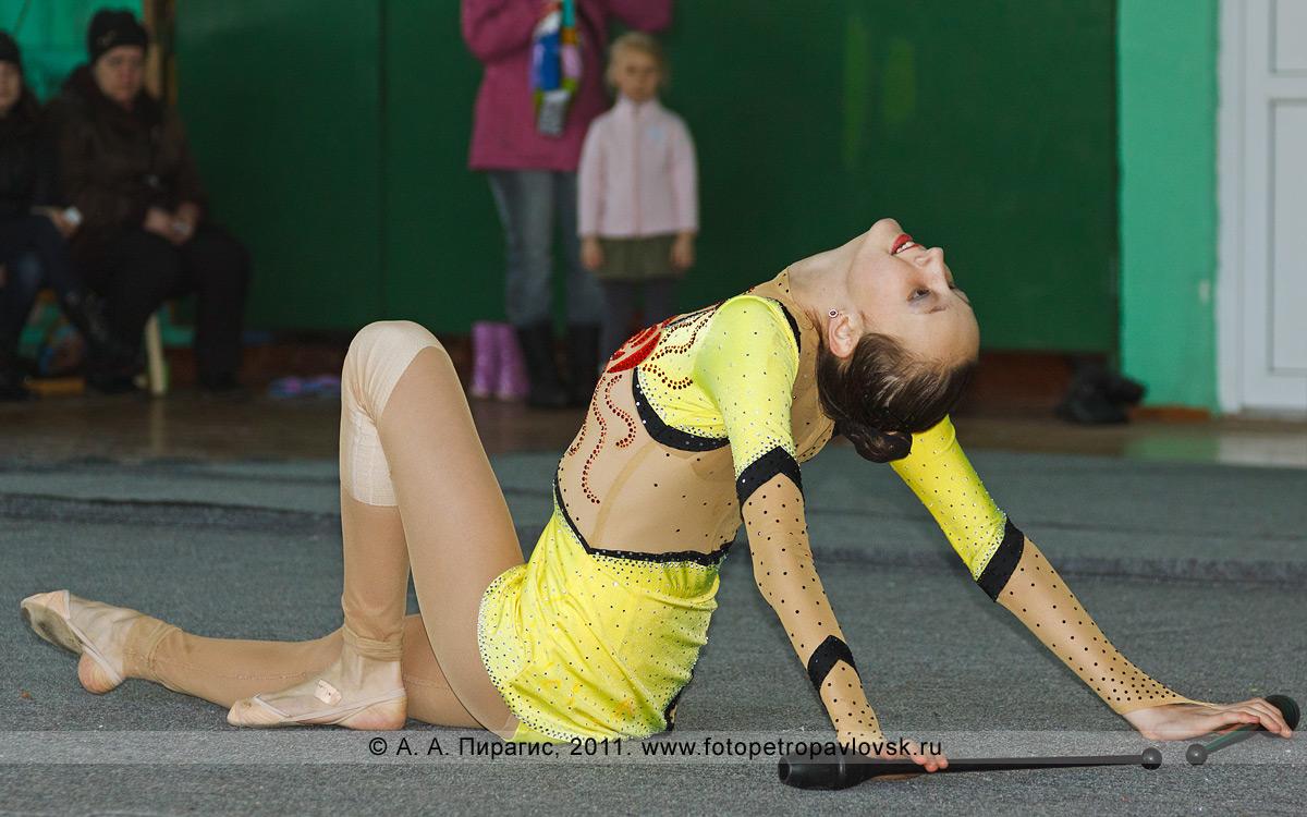 Фотография: Братчук Валерия, 2-е место в соревнованиях по художественной гимнастике по программе КМС (кандидат в мастера спорта). Художественная гимнастика на Камчатке