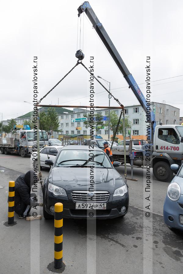 Фотография: эвакуация автомобиля за нарушения правил остановки и стоянки транспортных средств