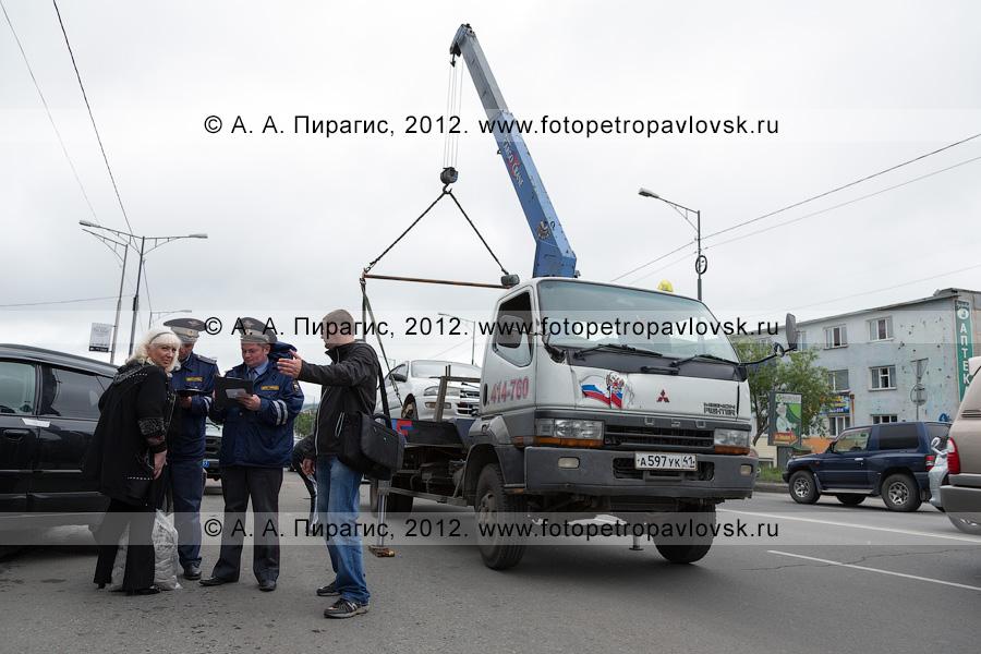 Фотография: рейд ДПС ГИБДД Камчатского края по выявлению нарушений правил остановки и стоянки транспортных средств