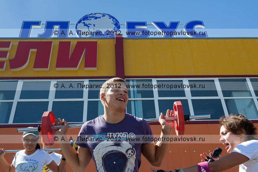 """Фотография: шоу-программа инструкторов фитнес-клуба """"Gold´s Gym"""" Kamchatka"""