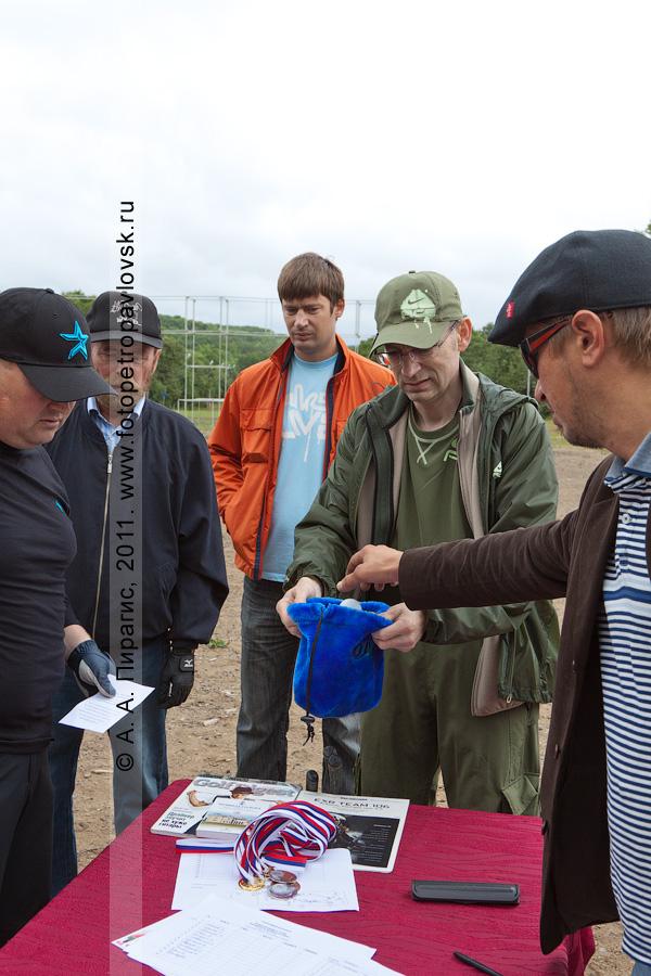 Фотография: жеребьевка. Соревнования по гольфу в городе Петропавловске-Камчатском