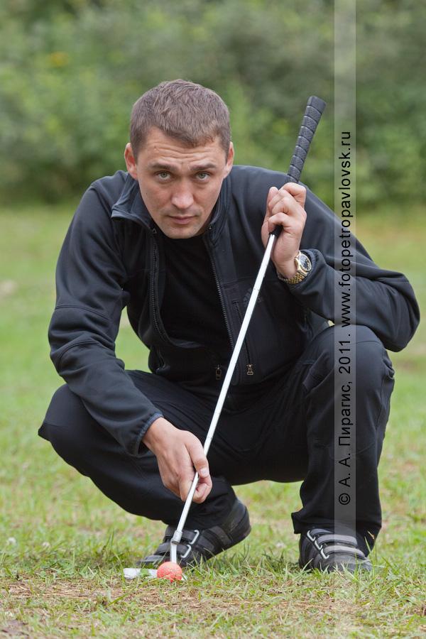 Фотография: камчатский спортсмен-гольфист Кузнецов Александр. Соревнования по гольфу в городе Петропавловске-Камчатском