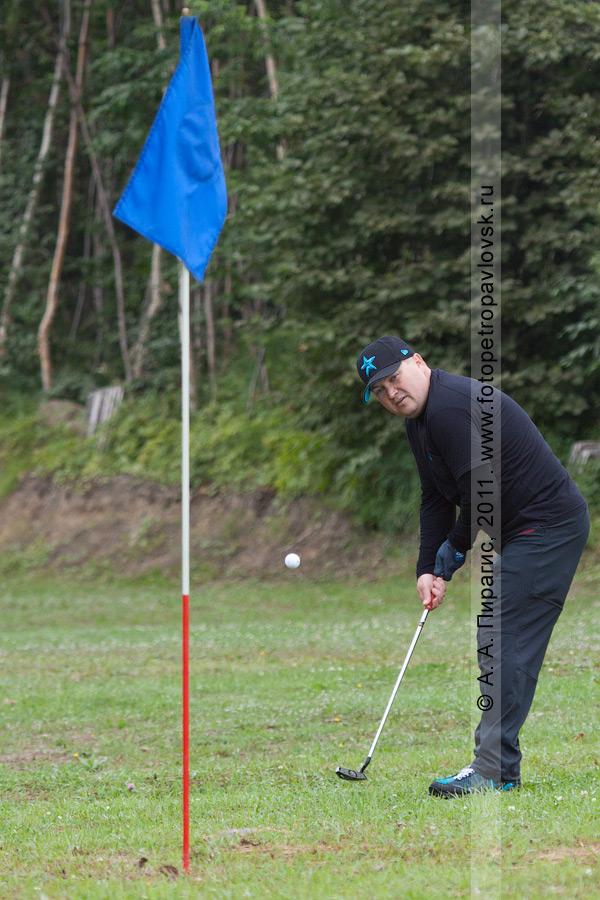 Фотография: камчатский гольфист Махаев Эдуард. Открытый турнир Петропавловск-Камчатского городского округа по гольфу