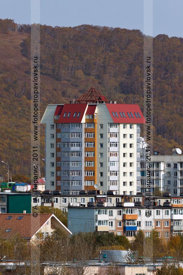 Фотография: одиннадцатиэтажный жилой дом. Камчатский край, город Петропавловск-Камчатский, проспект Циолковского, 47