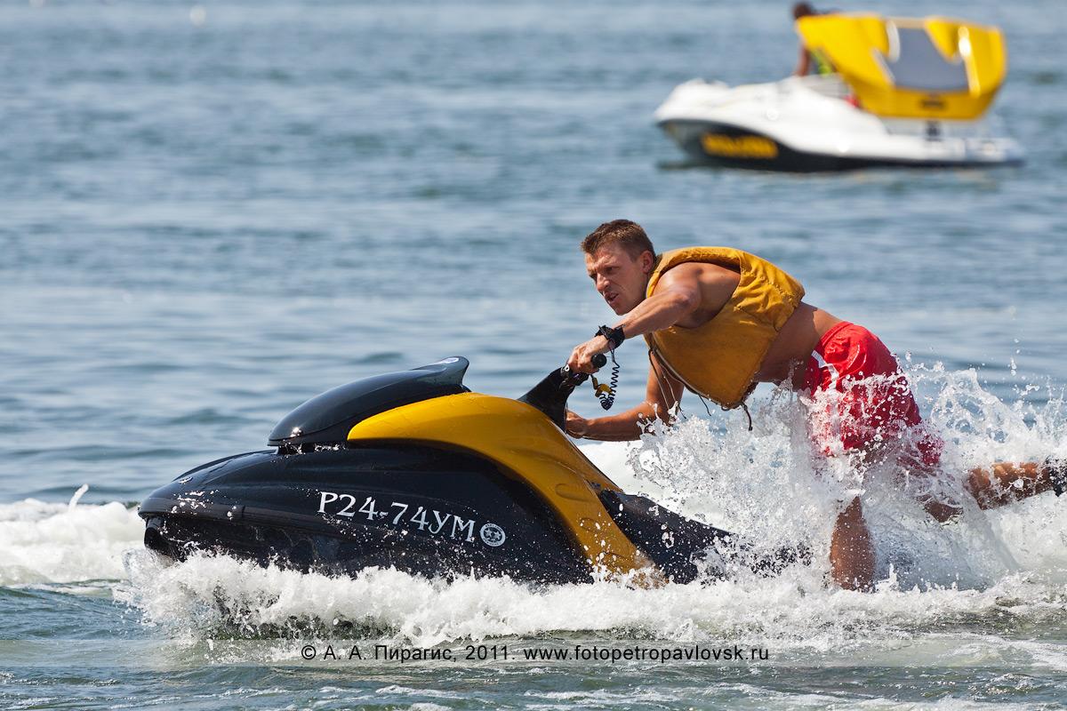 Фотография: водный мотоцикл (гидроцикл). Катание по Авачинской губе (Авачинской бухте) на Камчатке