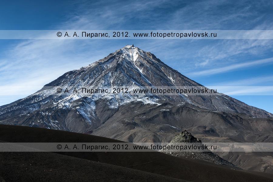 Фотография: камчатский пейзаж — Корякский вулкан — активный вулкан Камчатки и пик Новограбленова (гора Новограбленова)