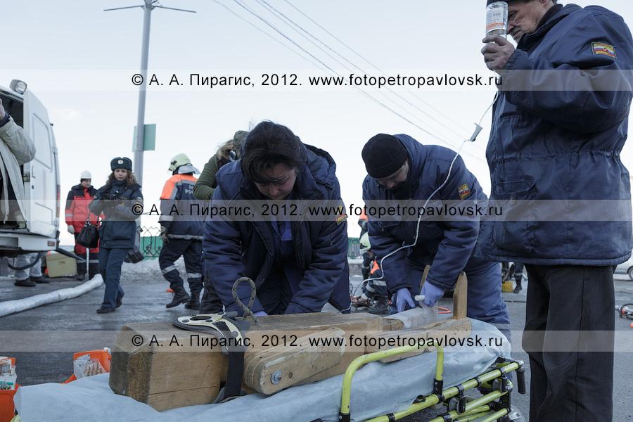 Фотография: учения по отработке действий оперативных служб при ликвидации последствий дорожно-транспортного происшествия. Полуостров Камчатка, город Петропавловск-Камчатский