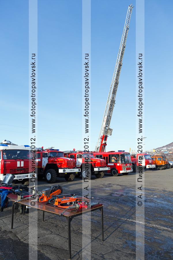 Фотография: спецоборудование и пожарно-спасательная, поисково-спасательная техника МЧС России по Камчатскому краю
