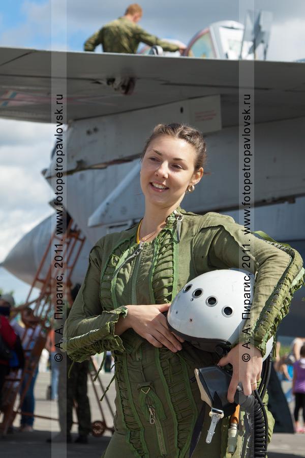 Фотография: костюм летчика истребителя МиГ-31 противовоздушной обороны дальнего действия. Военный аэродром Елизово (Камчатка). День Воздушного флота России (День авиации)