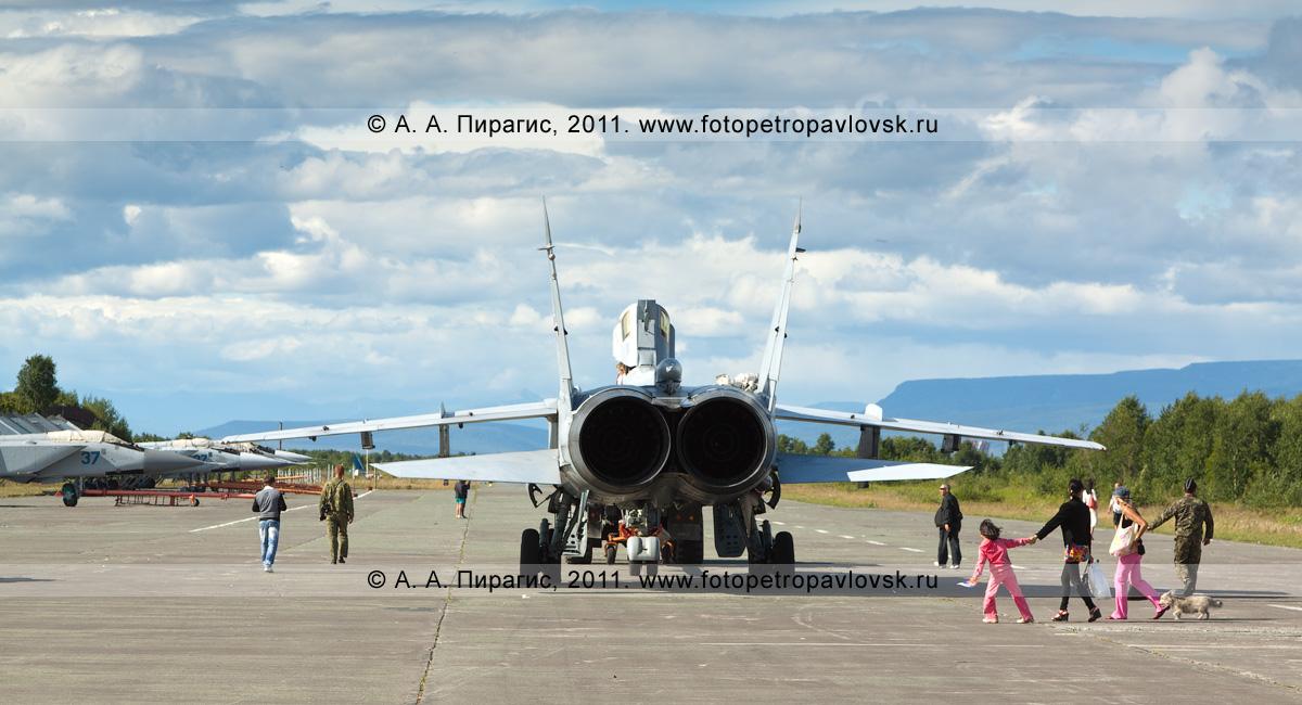 Фотография: истребители МиГ-31 на военном аэродроме. Россия, Камчатский край, город Елизово