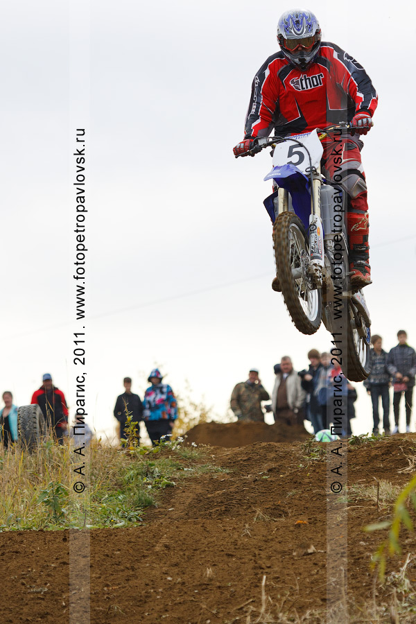 Фотография: мотоциклетный спорт на Камчатке, мотокросс в городе Елизово Камчатского края