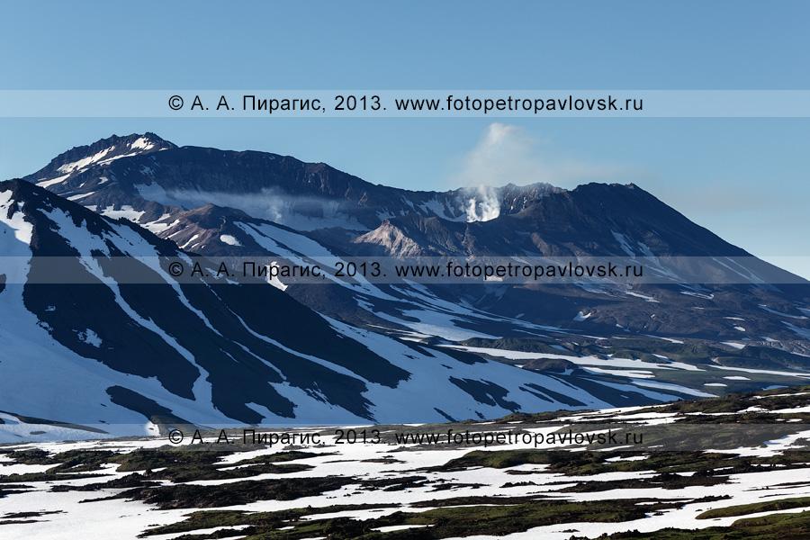 Фотография: камчатский пейзаж — Мутновский вулкан — действующий вулкан Камчатки