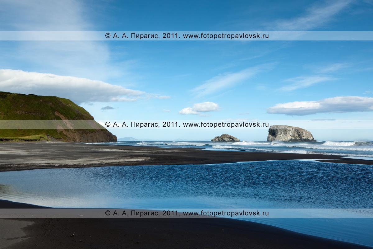 Фотография: камчатский пейзаж — побережье Тихого океана. Черный песок на камчатском пляже