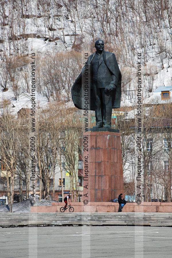 Памятник В. И. Ленину в Петропавловске-Камчатском