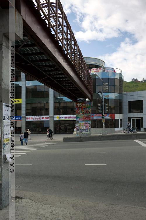 Фотография: надземный пешеходный переход на КП (Петропавловск-Камчатский)