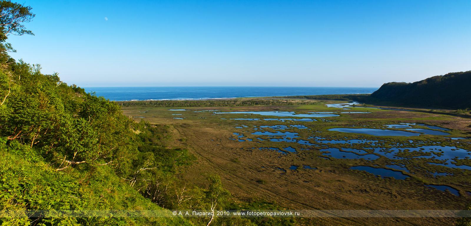 Фотография: панорама — Приливное озеро. Окрестности города Петропавловска-Камчатского (Авачинский залив, Тихий океан)