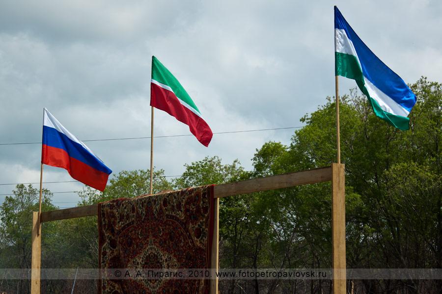Фотография: празднование Сабантуя в Камчатском крае — традиционного национального праздника башкирского и татарского народа