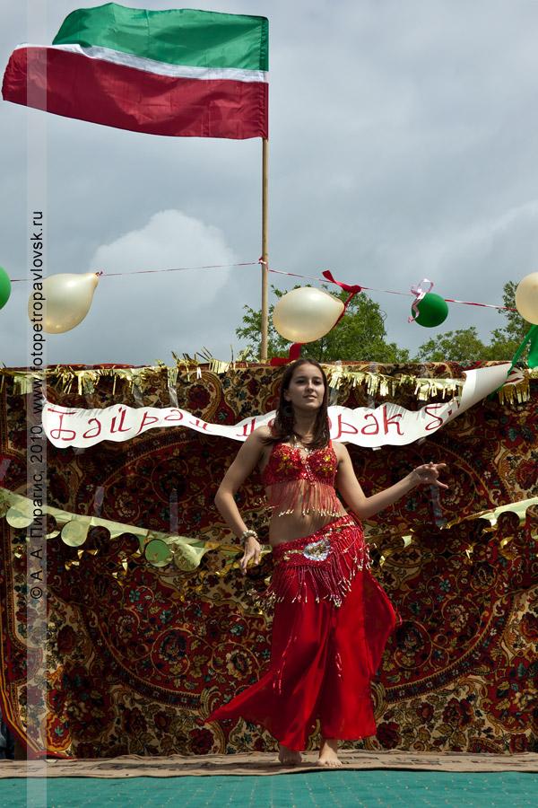 Фотография: празднование Сабантуя в Камчатском крае — красивый национальный танец