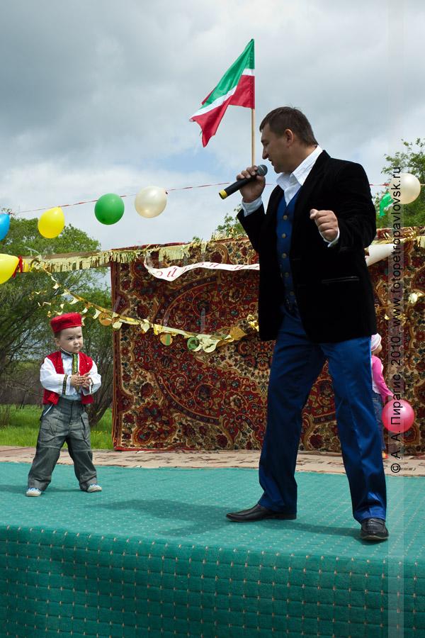 Фотография: празднование Сабантуя в Камчатском крае: национальные башкирские и татарские песни и пляски