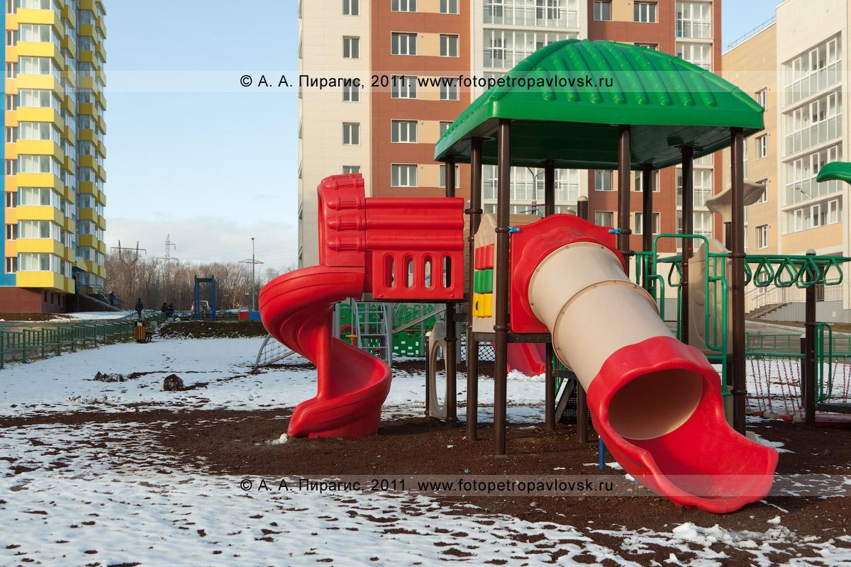 """Фотография: детская площадка в новом квартале. Петропавловск-Камчатский, микрорайон """"Северо-Восток"""""""