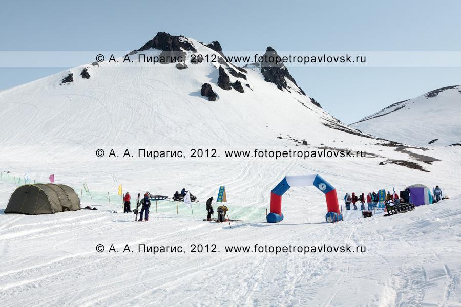 Фотография: ски-альпинизм, командная гонка. Полуостров Камчатка, Авачинский перевал, гора Верблюд