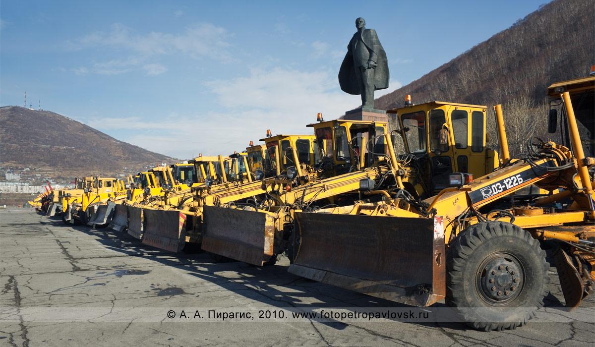 Фотография: смотр снегоуборочной техники Петропавловск-Камчатского городского округа