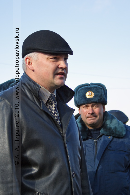 Фотография: Олег Сокоч, заместитель главы Петропавловск-Камчатского городского округа, — главный проверяющий снегоуборочной техники