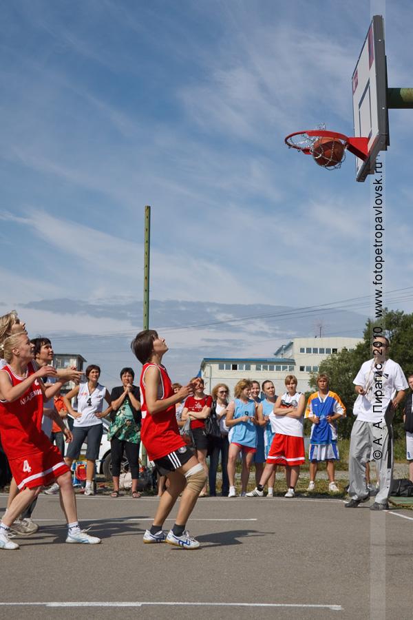 """Фотография: состязания по уличному баскетболу """"Камчатка. Стритбаскет"""" (Петропавловск-Камчатский)"""