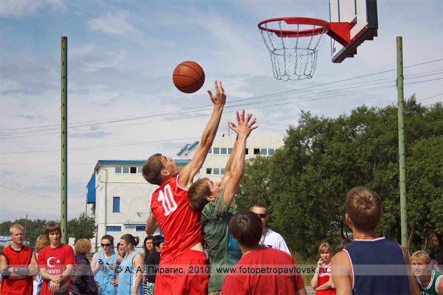 """Фотография: соревнования по стрит-баскетболу """"Камчатка. Стритбаскет"""" (Петропавловск-Камчатский)"""