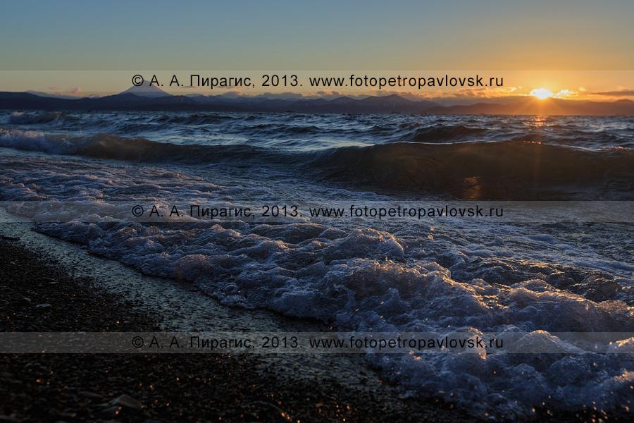 Фотография: закат над Авачинской губой (Авачинской бухтой). Полуостров Камчатка