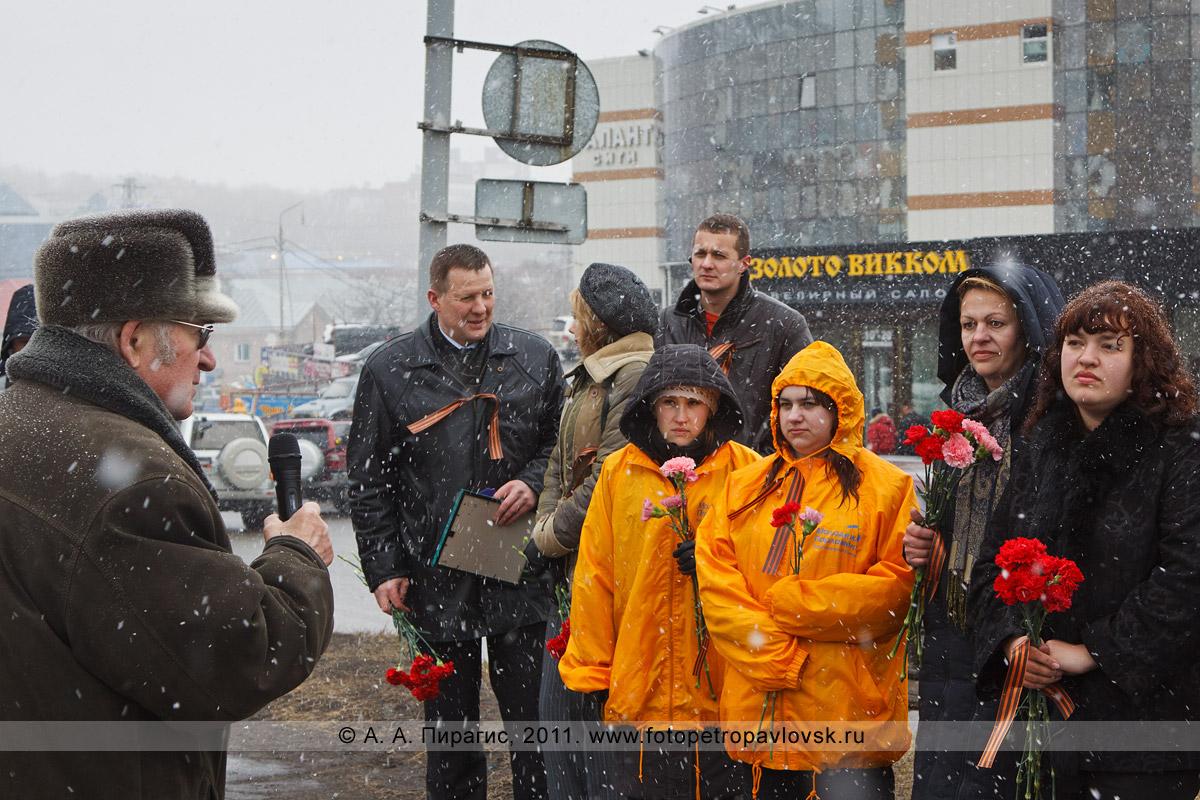 Фотография: председатель Совета ветеранов города Петропавловска-Камчатского Виктор Денищенко делится воспоминаниями о Великой Отечественной войне