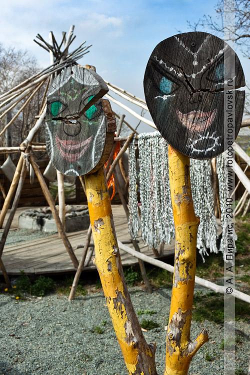 """Фотография: корякская этническая деревня """"Танынаут"""" на Камчатке. Обрядовые маски"""