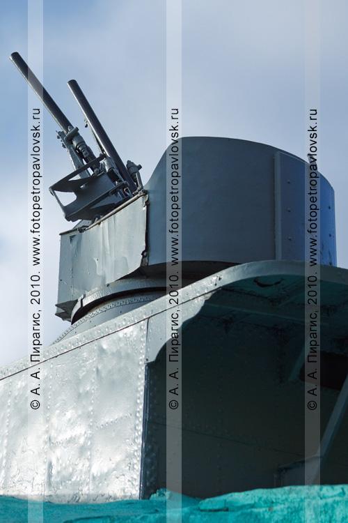 """Фотография: пулемет на катере. Памятник """"Торпедный катер"""" в Петропавловске-Камчатском"""